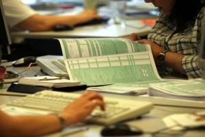 Σε εκκρεμότητα 2,4 εκατ. φορολογικές δηλώσεις – Πιθανή ολιγοήμερη παράταση