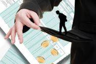 Ανατροπή στα κριτήρια για τους άνεργους και το κοινωνικό μέρισμα