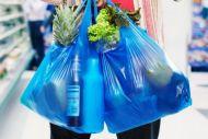 Πρόστιμα σε εταιρείες που δήλωσαν λάθος το τέλος πλαστικής σακούλας