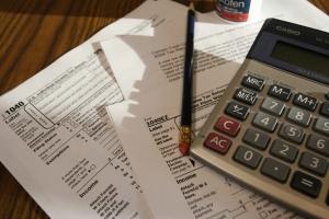 Εξετάζεται η υποβολή φορολογικών δηλώσεων από το τέλος Μαρτίου